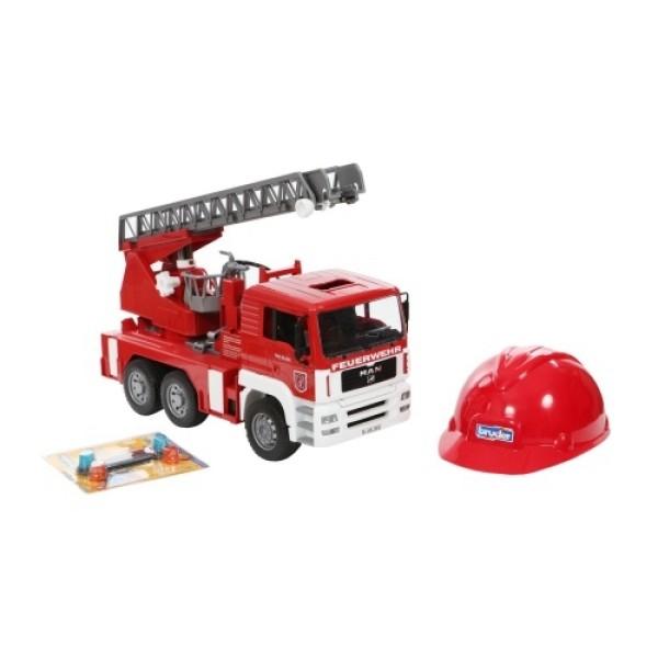 01-981 Bruder Пожарная машина MAN с лестницей + Каска красная